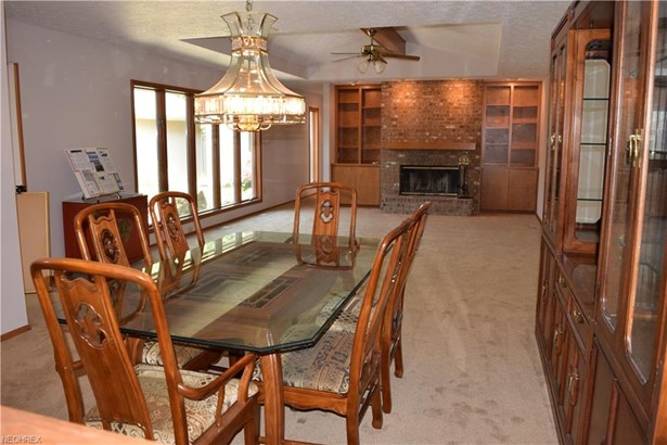 Cluster Home,Ranch, Single Family - Strongsville, OH (photo 4)