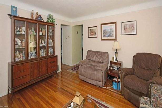 Cape Cod, Single Family - Garfield Heights, OH (photo 4)