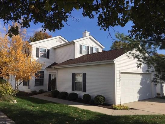 Colonial,Townhouse, Condominium - Brecksville, OH (photo 1)