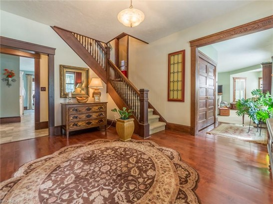 Colonial,Victorian, Single Family - Vermilion, OH (photo 5)