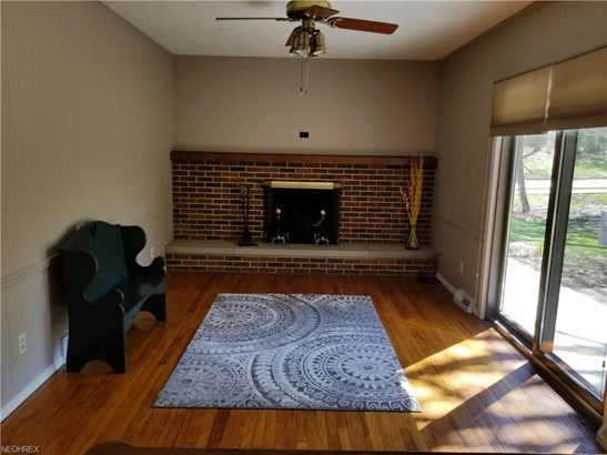 Colonial, Single Family - Broadview Heights, OH (photo 3)