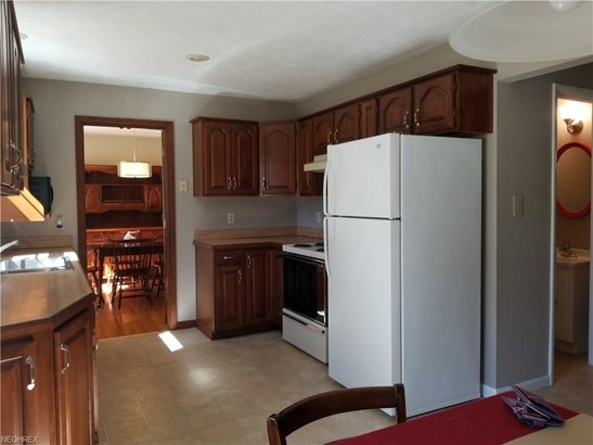 Colonial, Single Family - Broadview Heights, OH (photo 5)
