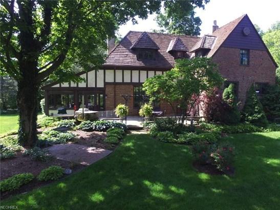 Colonial,Tudor, Single Family - Valley City, OH (photo 1)