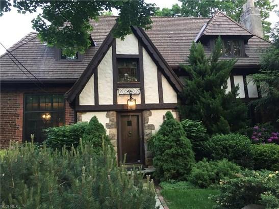 Colonial,Tudor, Single Family - Valley City, OH (photo 2)