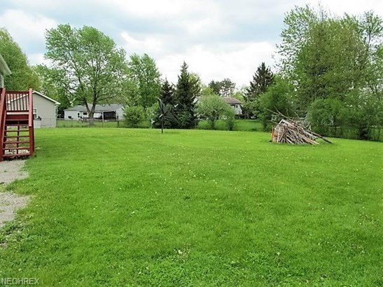 Bi-Level, Single Family - Oberlin, OH (photo 4)