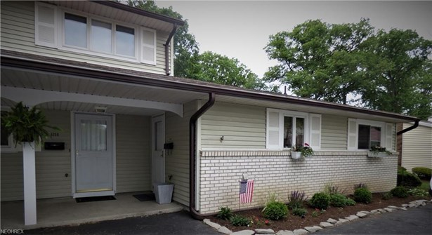 Condominium, Ranch - Huron, OH (photo 1)