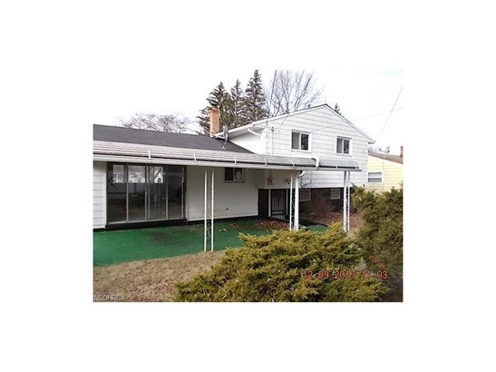 Split Level, Single Family - Bedford Heights, OH (photo 3)