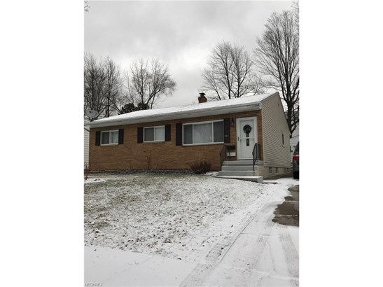 Bungalow,Other,Ranch, Single Family - Akron, OH (photo 1)