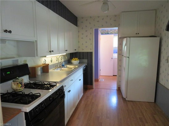 Ranch, Single Family - Parma Heights, OH (photo 4)