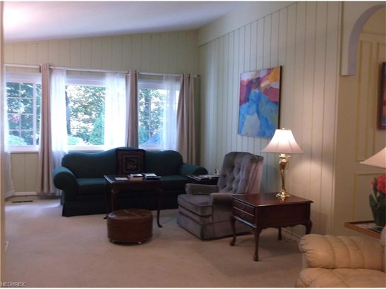 Ranch, Single Family - Olmsted Falls, OH (photo 2)