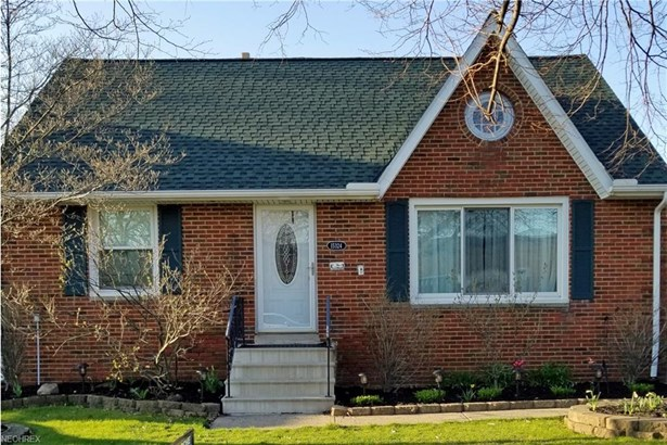 Bungalow,Cape Cod, Single Family - Cleveland, OH (photo 1)