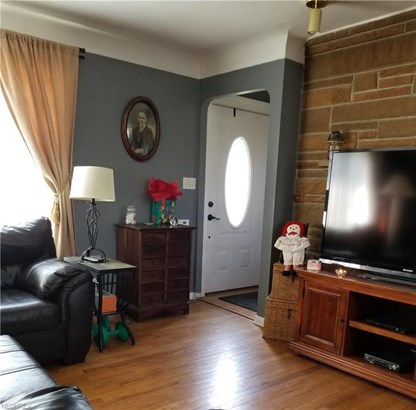 Bungalow,Cape Cod, Single Family - Cleveland, OH (photo 4)