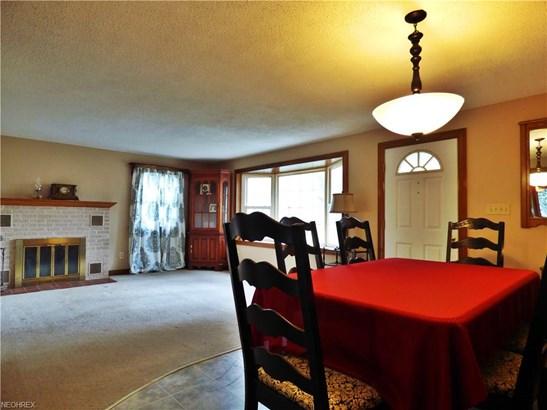 Colonial, Single Family - Huron, OH (photo 3)