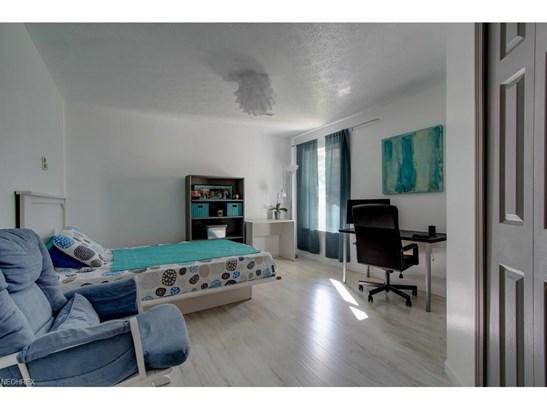 Condominium, Contemporary/Modern,Townhouse - Tallmadge, OH (photo 4)