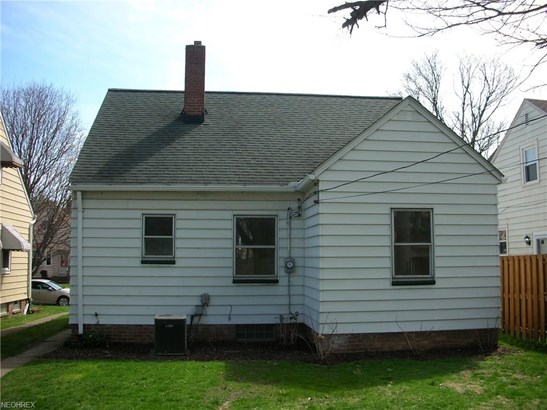 Cape Cod, Single Family - Cleveland, OH (photo 3)