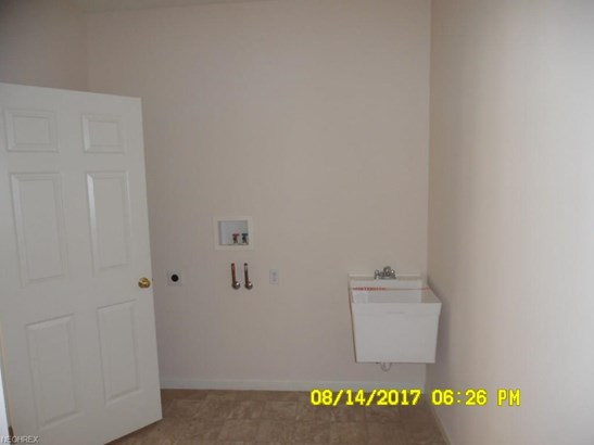 Cluster Home, Single Family - Northfield, OH (photo 5)