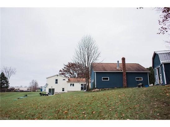 Split Level, Single Family - Chardon, OH (photo 4)