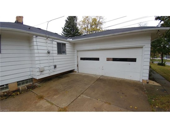 Ranch, Single Family - Bedford Heights, OH (photo 2)