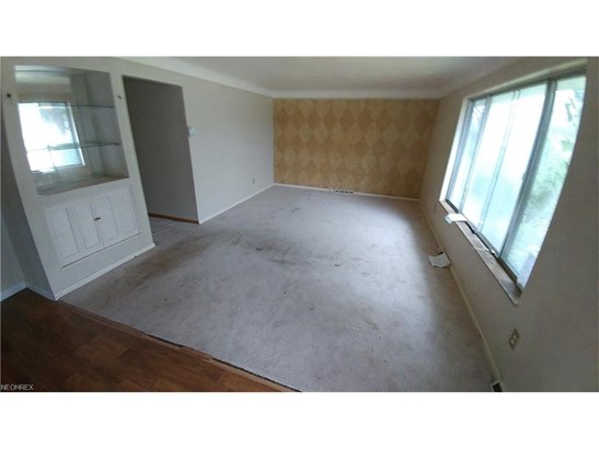 Ranch, Single Family - Bedford Heights, OH (photo 4)
