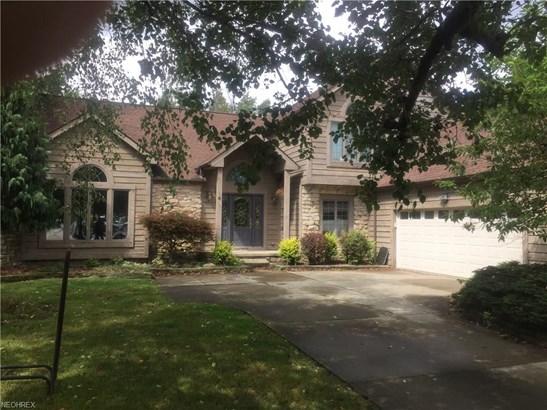 Colonial, Single Family - North Royalton, OH (photo 1)