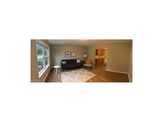 Ranch, Single Family - Parma Heights, OH (photo 2)