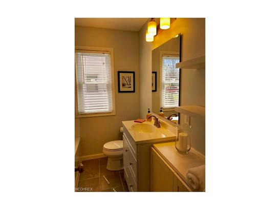 Ranch, Single Family - Parma Heights, OH (photo 5)