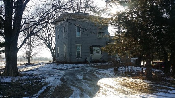 Colonial, Single Family - Creston, OH (photo 1)