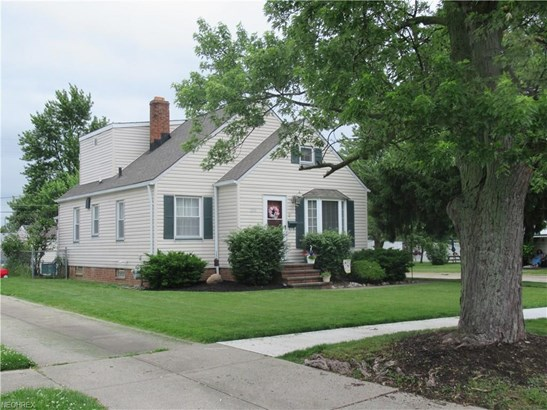 Bungalow, Single Family - Parma, OH (photo 2)