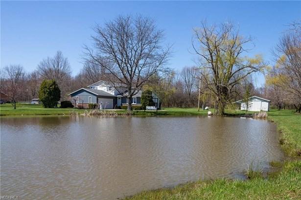 Split Level, Single Family - Lagrange, OH (photo 2)