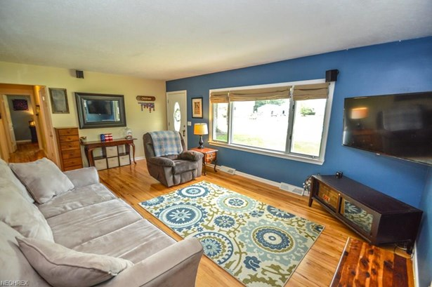 Ranch, Single Family - Olmsted Falls, OH (photo 5)