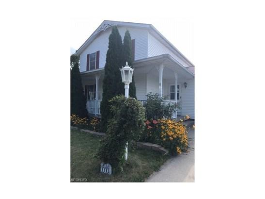 Colonial, Single Family - Ravenna, OH (photo 3)