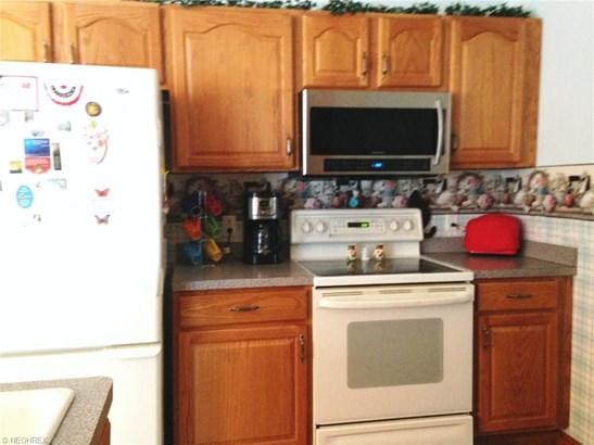 Condominium, Ranch - Conneaut, OH (photo 5)