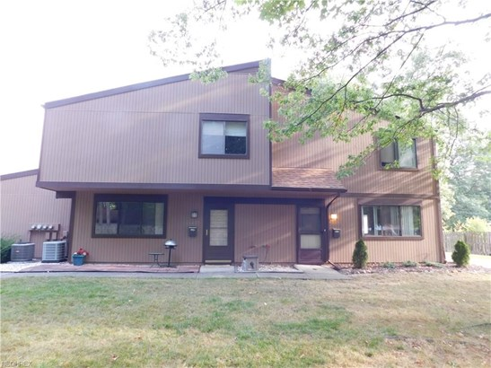 Townhouse, Condominium - Olmsted Falls, OH (photo 1)