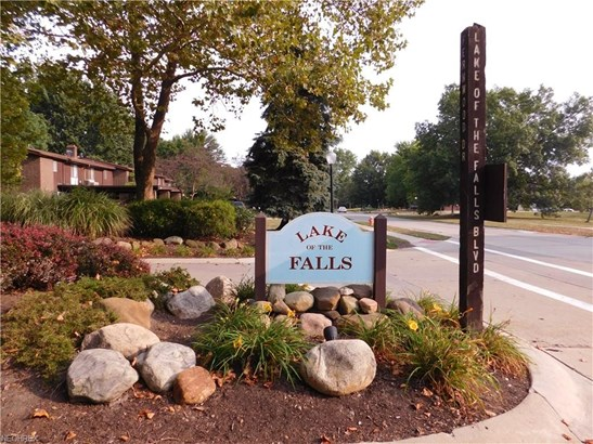 Townhouse, Condominium - Olmsted Falls, OH (photo 2)