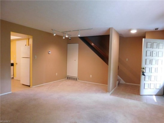 Townhouse, Condominium - Olmsted Falls, OH (photo 5)