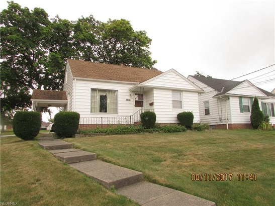 Bungalow, Single Family - Maple Heights, OH (photo 1)