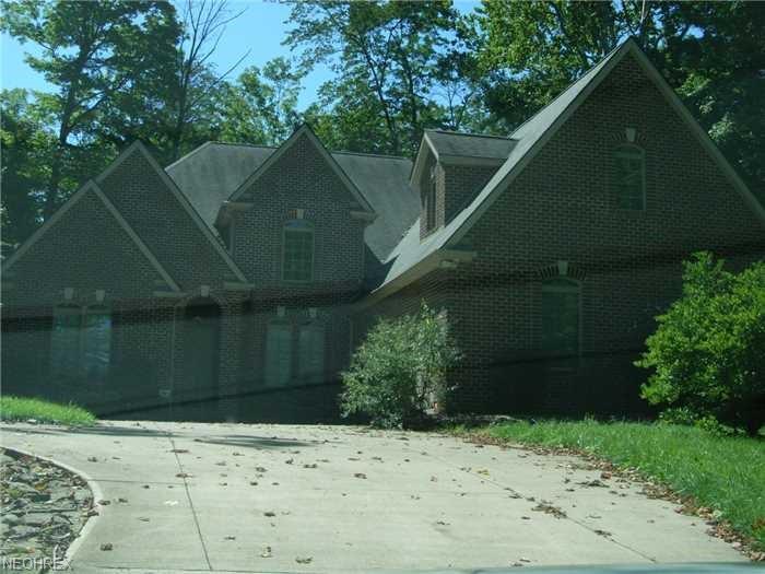 Colonial, Single Family - Wellington, OH (photo 1)