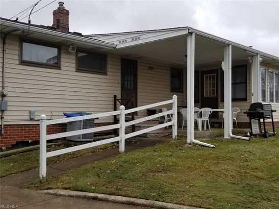 Ranch, Single Family - Cleveland, OH (photo 2)