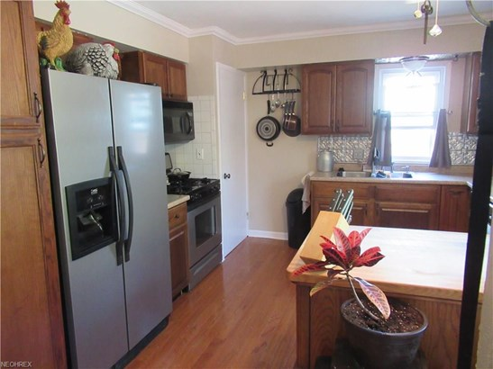 Cape Cod, Single Family - Parma Heights, OH (photo 3)