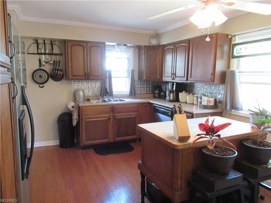 Cape Cod, Single Family - Parma Heights, OH (photo 4)