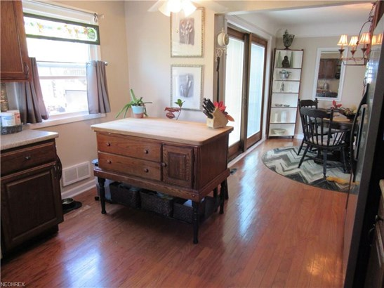 Cape Cod, Single Family - Parma Heights, OH (photo 5)