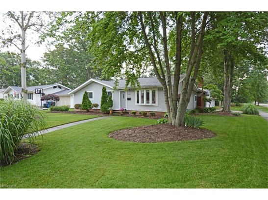 Ranch, Single Family - Olmsted Township, OH (photo 2)