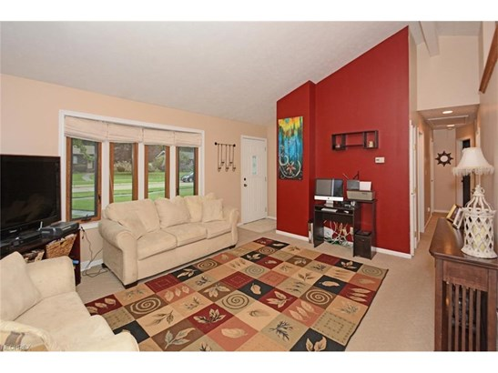 Ranch, Single Family - Olmsted Township, OH (photo 3)
