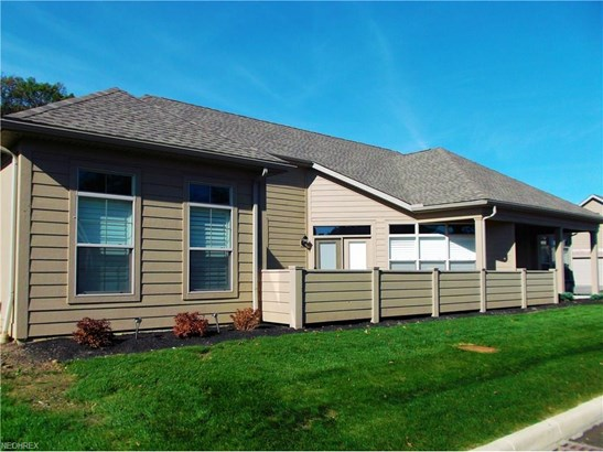 Condominium, Ranch - Huron, OH (photo 2)