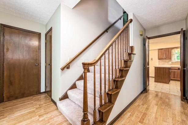 Single Family Freestanding, 2 Story - Columbus, OH (photo 3)