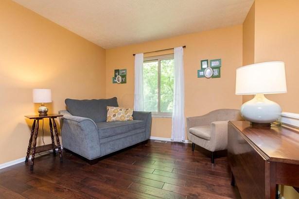 Bi-Level, Single Family Freestanding - Worthington, OH (photo 4)