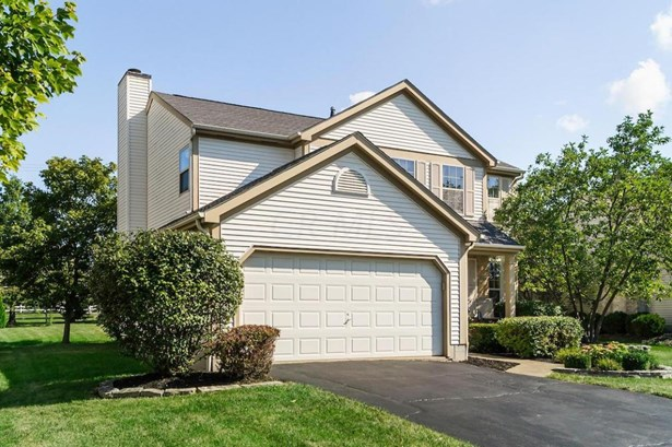 Single Family Freestanding, 2 Story - Lewis Center, OH (photo 2)