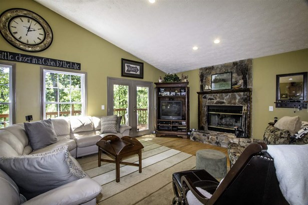 Cottage, Single Family - Westminster, SC (photo 5)