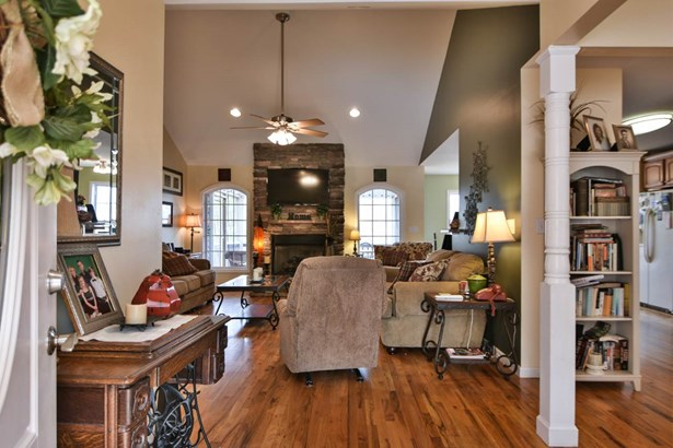 Traditional, Single Family - West Union, SC (photo 2)