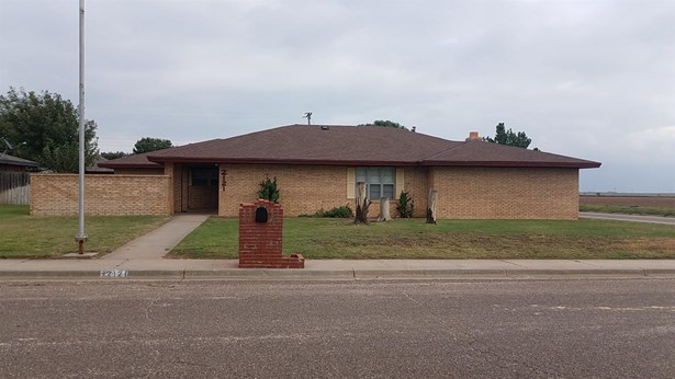 2121 Tech Drive, Levelland, TX - USA (photo 1)